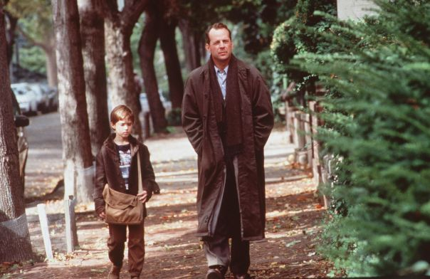 Haley Joel Osment And Bruce Willis Star In The Sixth Sense