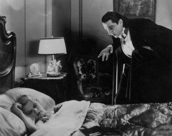 dracula-1931-004-bela-lugosi-in-the-bedroom-00m-xfh-1